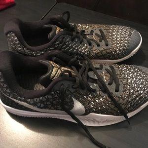 Nike Kobe Mamba Instinct Basketball Shoes 7.5